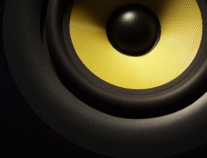 speaker-close-up-1423967-1920x1440